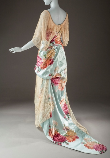 Cauët Sœurs, Woman's Evening Dress, c. 1912, purchased with funds provided by Ellen A. Michelson, photo © 2012 Museum Associates/LACMA. All rights reserved