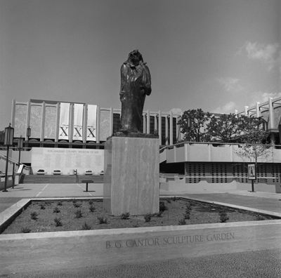 B. Gerald Cantor  Sculpture Garden, 1975. Photo © Museum Associates/LACMA, photographic archives