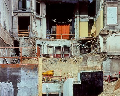 Stéphane Couturier, Rue Chateaudun, Paris (1996), Cibachrome print, 40x 50 in., Ralph M. Parsons Fund, AC1997.166.1. © S. Couturier