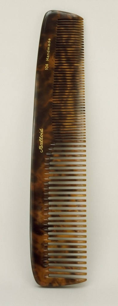 Vija Celmins, Untitled (Comb), 1970, Contemporary Art Council Fund, © Vija Celmins