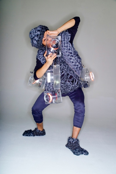 Object of desire, wearable computer for performance, 2006