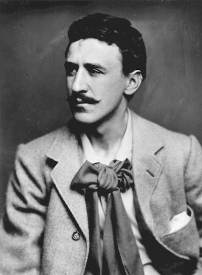 Charles Rennie Mackintosh, Charles Rennie Mackintosh portrait by Glasgow photographers Annan.