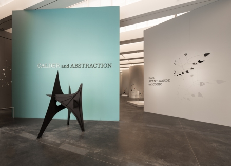 Installation photograph, Calder and Abstraction: From Avant-Garde to Iconic, November 24, 2013–July 27, 2014, Los Angeles County Museum of Art, © Calder Foundation, New York, Artists Rights Society (ARS), NY, photo © Fredrik Nilsen