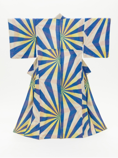 Woman's Kimono with Geometric Pattern, Japan, mid-Showa period (1926–89), c. 1940, Costume Council Fund, photo © 2014 Museum Associates/LACMA